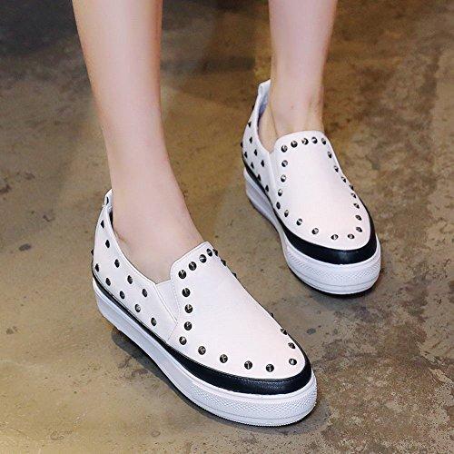 Latasa Femmes Rivets Cloutés Slip Sur Plate-forme Mocassins Chaussures Noir + Blanc
