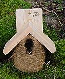 Wildlife World Roosting Nest Pocket with Cedar Roof CSRNP3