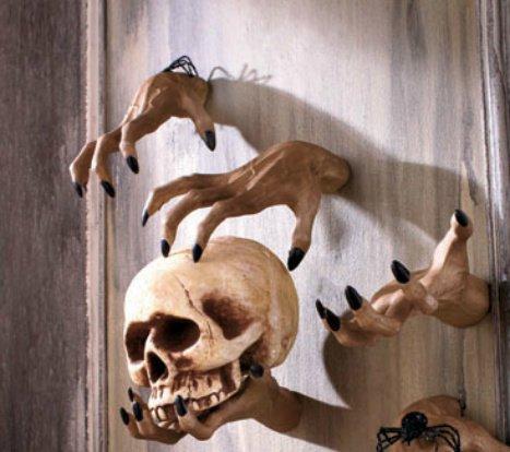 [Creepy Hands Black Fingernails Clawing Grabbing Wall Hangers Halloween Haunted House Prop Decor (4 pc 2 clawing 2 grabbing] (Haunted House Prop)