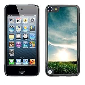 Be Good Phone Accessory // Dura Cáscara cubierta Protectora Caso Carcasa Funda de Protección para Apple iPod Touch 5 // Nature Beautiful Forrest Green 164