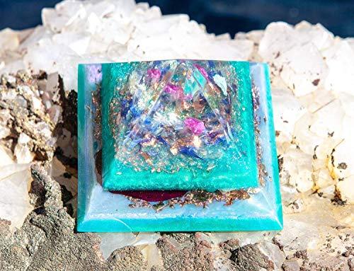 Orgonite Pyramid/Goddess Crystals/Violet Flame Orgone Pyramid (Violet Glass Crystal)