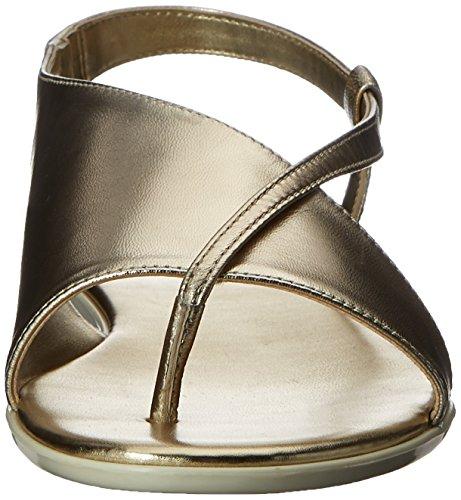 Nine West Golper metálico vestido de la sandalia Lt Gold