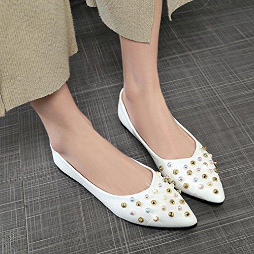 Cooljun Frauen Frühling Niet Dekoration Freizeitschuhe Weibliche Hübsche Quadratische Ferse Flache Schuhe White