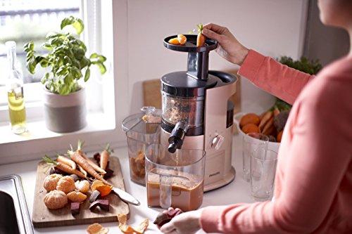 Philips HR1883/31 Estrattore di succo a spremitura lenta, con tecnologia Gentle Squeezing per succhi ricchi di vitamine. Funzione sorbetto - Avance Collection - 2020 -