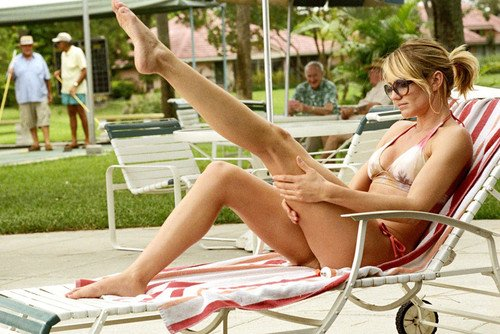 Cameron Diaz 24x36 Poster sexy in bikini on pool chair ()