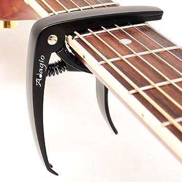 Adagio Pro Deluxe Capo apto para guitarras acústicas y eléctricas con liberación rápida y extractor de clavijas en negro RRP £10.99 - Empaquetado al por ...