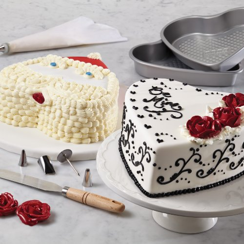 Cake Boss Professional Bakeware 10-Piece Santa and Valentine's Day Bakeware Set by Cake Boss (Image #9)