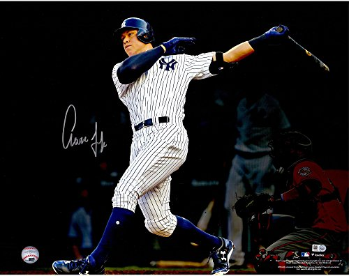 (Aaron Judge New York Yankees Autographed 16
