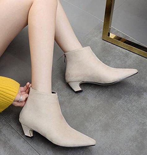 Idifu Kvinners Unik Spiss Tå Midten Chunky Hæler Faux Suede Kort Ankel Boots Med Glidelås Bak Aprikos Micro