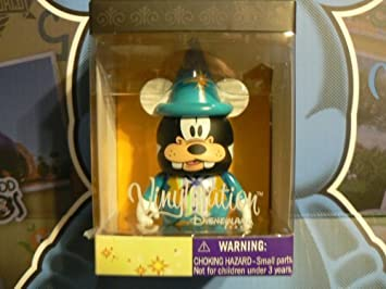 Disneyland Paris 20th Anniversary Goofy Disney Vinylmation 3 inch RARE LOOK by Disney