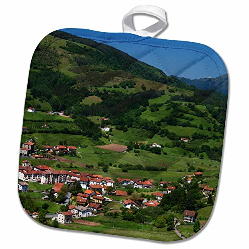 3D Rose Basque Countryside Near Bilbao-Biscay-Spain. Pot Holder, 8 x 8'' by 3dRose