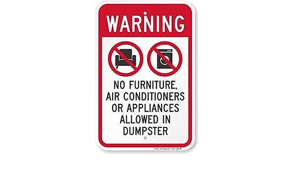 Alerta, no muebles o aparatos permitido en Dumpster (con símbolos ...