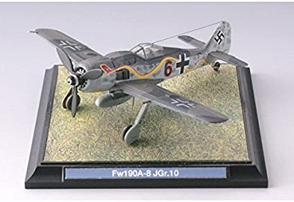 Painted And Assembled 1//144 WWII German Folke Wulf 190 G-1