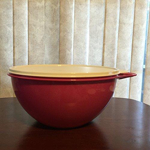 Tupperware Thatsa Bowl Medium 19 cup in Fuchsia Kiss (Pink) with Sugar Seal