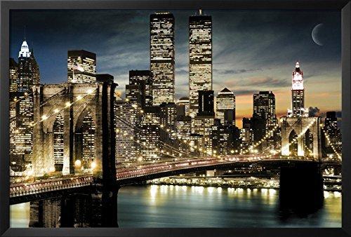 Manhattan Framed Poster 38 x 26in ()
