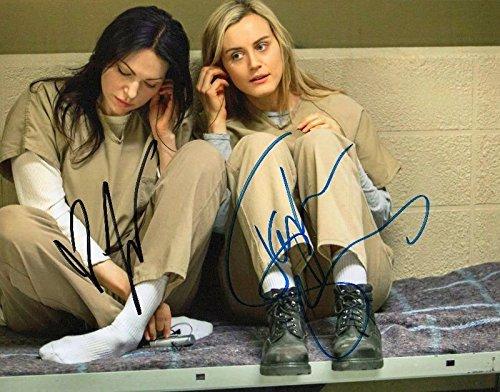 Photo Taylor Schilling & Lauren Prepon Signed Autographed 8 x 10