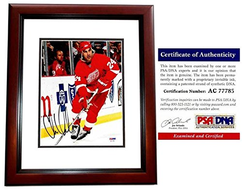 Chris Chelios Signed Photo - 8x10 inch 2017 Hall of Fame Inductee MAHOGANY CUSTOM FRAME Certificate of Authenticity COA) - PSA/DNA ()