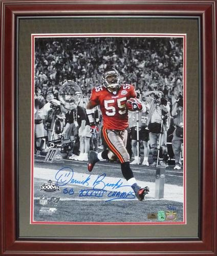 (Derrick Brooks Autographed Tampa Bay Buccaneers (SB TD Spotlight) Deluxe Framed 16x20 Photo w/