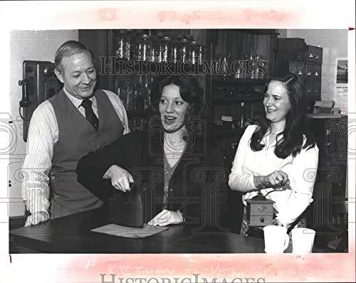 Paul Seymour Bills - Vintage Photos 1980 Press Photo William Bill Brown, Paula Bellardine, Peggy Seymour