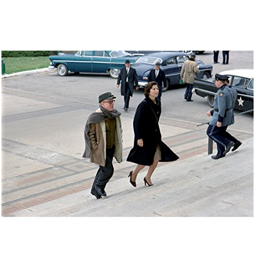 (Capote (2005) 8 inch x 10 inch PHOTOGRAPH Philip Seymour Hoffman & Catherine Keener in Coats Going Up Building Steps kn)