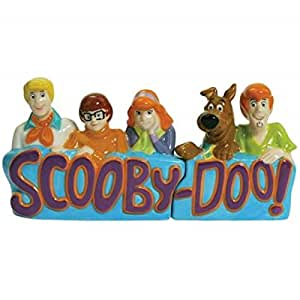 Westland Giftware Magnetic Ceramic Salt and Pepper Shaker Set, Scooby-Doo Gang, Multicolor