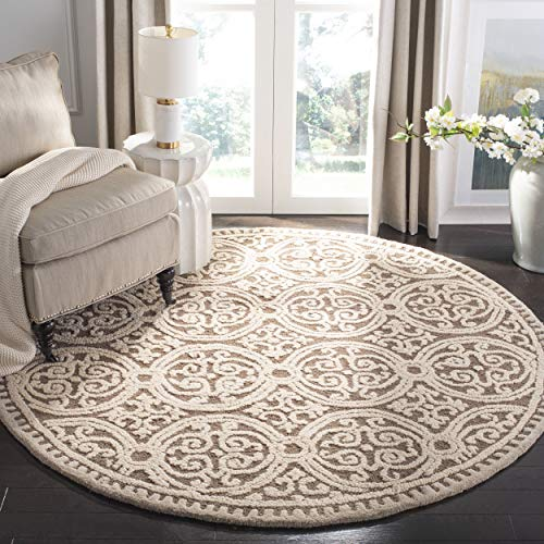 Safavieh Cambridge Collection CAM232A Handcrafted Moroccan Geometric Tan and Multi Premium Wool Round Area Rug (4' Diameter)
