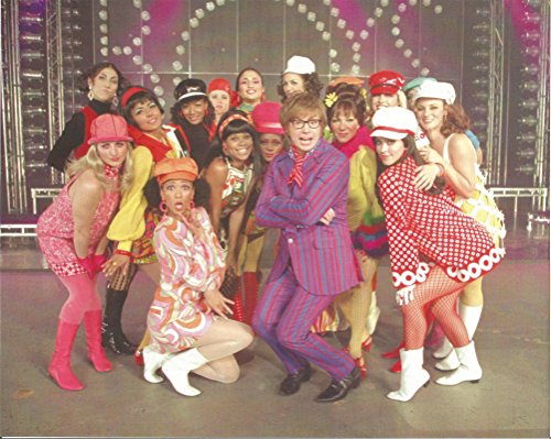 Austin Powers Mike Myers posing with 15 women - 8 x 10 inch Poster Art Photo 004 (Austin Powers Ladies)