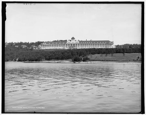 Photo: Grand Hotel,resorts,channels,water bodies,lakes,Mackinac Island,Michigan,MI,1900