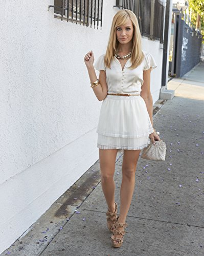 Beth Behrs 2 Broke Girls white short dress