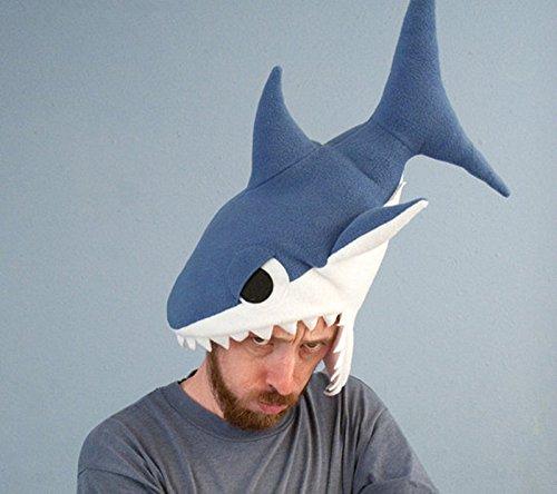 Amazon.com: Novedad de gorro de peluche Shark Geek forro ...