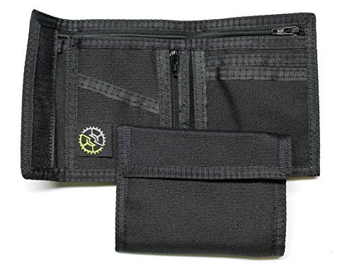 (Nylon Bifold Wallet with Zippered Coin Pocket (Black))