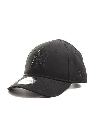 10eff28230eff New Era 940 League Ess NY Yankees Infants Cap (Age 0 - 2 years) (All  Black)  Amazon.co.uk  Clothing