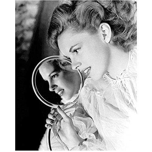Judy Garland 8x10 Photo The Wizard of Oz A Star is Born Easter Parade B&W Holding Small Mirror Two Profiles kn
