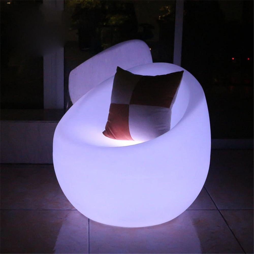 Kesierte Plastiksofa-Licht LED-Stab LED-Sofa-PET-Plastikfarben-Licht-Gebühren-Fernsteuerungs-einzelnes Sofa D72 * H78CM