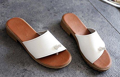 Sommer befestigen Zehefrausandelholze und rutschfesten die flachen Sandalen Frauen Pantoffeln Wort white