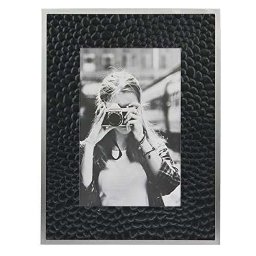Stonebriar Decorative Textured Black Metal Photo Frame with Silver Border and Easel Back Stand, For Vertical or Horizontal Display on Desks, Shelves, or Any Table Top, ()