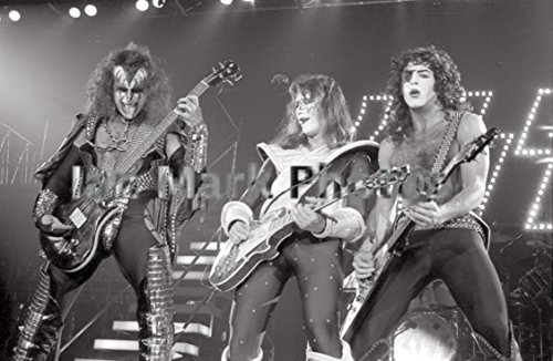 Kiss 8x12 Photograph 1977