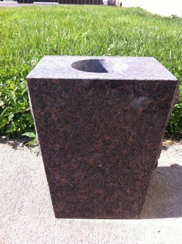 Granite Dakota Mahogany (Dakota Mahogany Vase Rock Pitch Granite Monument/Headstone/Gravestone Vase Split Face - (Dakota Mahogany, 8.5