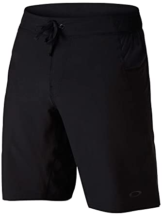 oakley shorts  Oakley Mens Richter Woven Training Short at Amazon Men\u0027s Clothing ...