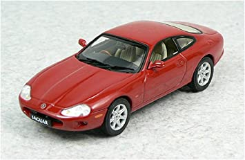 Autoart Die Cast Model Jaguar Xk8 1 43 Scale Amazon Co Uk Toys Games