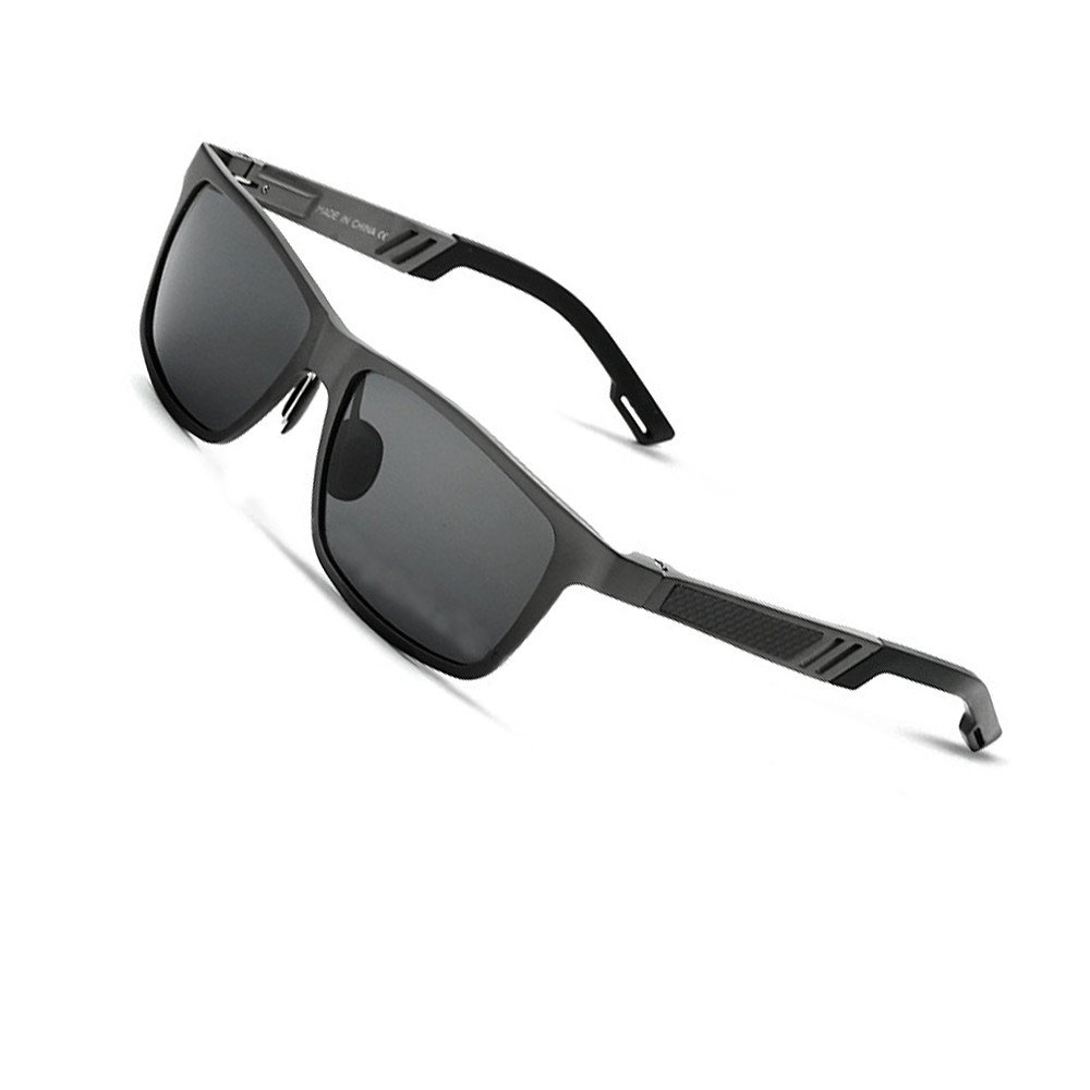 cd291a3966 Amazon.com  VEITHDIA 6560 Fashion Mirrored UV400 Polarized Driving  Sunglasses for Men Women (Black
