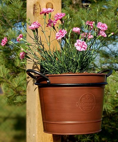 BestNest Washtub Planters with Wall Mounted Holders, Pack of 4