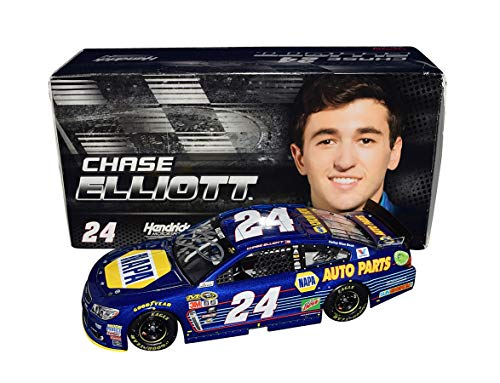 AUTOGRAPHED 2016 Chase Elliott #24 NAPA Auto Parts Racing DAYTONA 500 POLE AWARD (Hendrick Motorsports) Signed Lionel 1/24 Scale NASCAR Diecast Car with COA (#0804 of only 1,513 produced!)