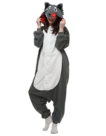 33f820ef466c Amazon.com  LOVE MILLIE Unisex Adult Onesie Pajamas Cosplay Costume Gray  Wolf  Clothing