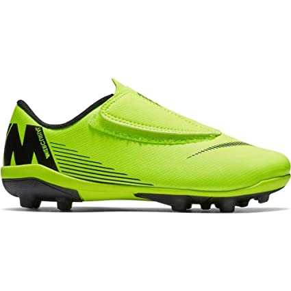 c0d9356f6fd7 Amazon.com  Nike JR Vapor 12 Club PS (V) FG MG-Soccer Shoes  Sports ...