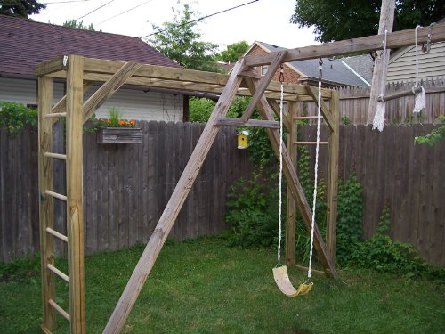 How To Build Monkey Bars (On The Cheap) (Designs Indoor Bar)