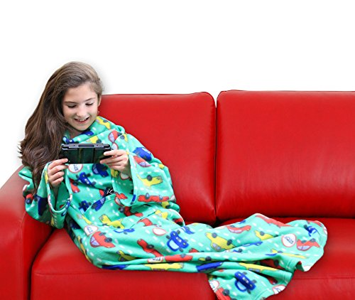 DG SPORTS Wearable Fleece Blanket for Kids with Sleeves and Pockets | Luxuriously Soft & Non-Irritating Fabric | Machine Washable | Cute Snuggle Couch Throw Cozy Cover for Boys and Girls (Cars)