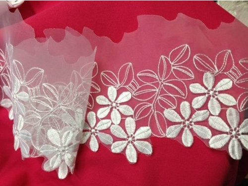 3 Yards, Organza Flower Trim with Flowers on Daisy Scalloped Border, White, 6