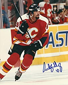 Autographed Sandy McCarthy 8x10 Calgary Flames Photo