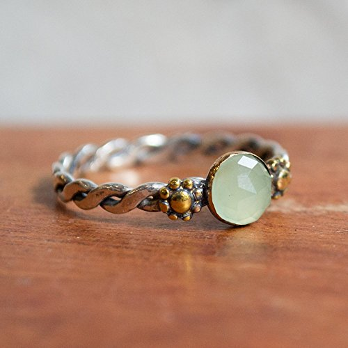 - Engagement green jade boho ring Twotone ring Unique solitaire flower gemstone dainty ring - Our Future R2279